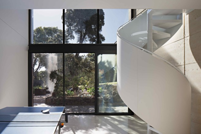 Layer House_17_Robson Rak Arch