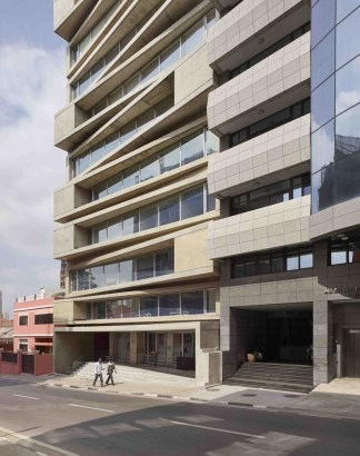 KN10 Building_02_Costa Lopes