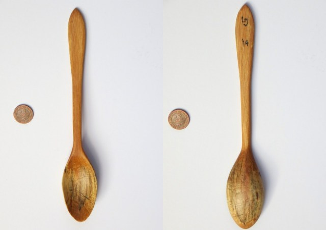 Spalted alder spoon. This wood came from a branch that I found in a small creek while on holiday in the German Eifel. The wood was really unpredictable: this particular piece was really difficult to work, while other pieces were quite easy.