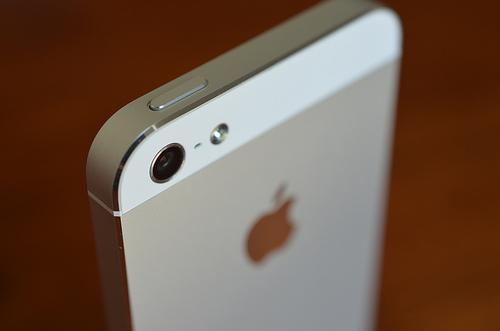iPhoneにお手製クローズアップレンズを装着して、写真を撮ってみた件