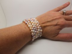 Pearl cuff (80 pearls in total)