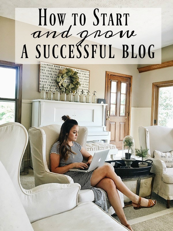 How to start & grow a successful blog! A great post to show you how to start your blog from nothing & grow it to become a super successful blog!