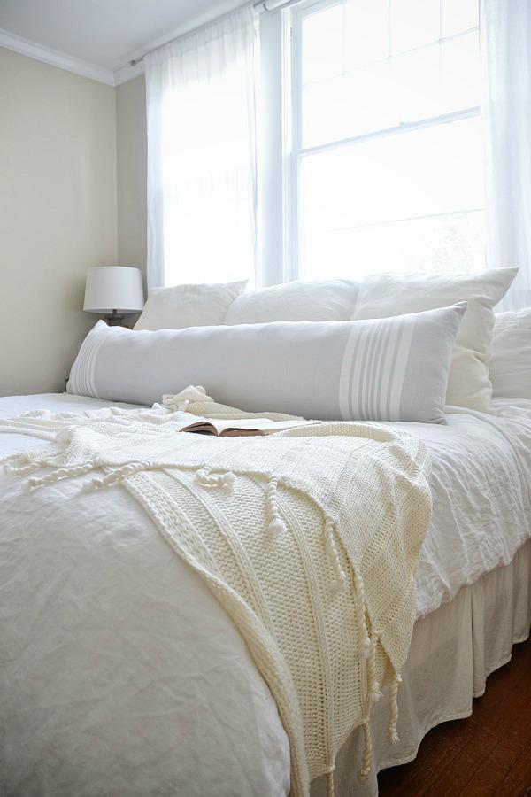 Diy Extra Long Lumbar Pillow Liz Marie Blog
