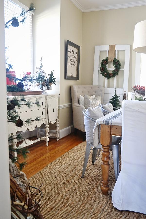"Simple Rustic Christmas Dining Room Decor - Liz Marie Blog on ""Room Decor""  id=92683"