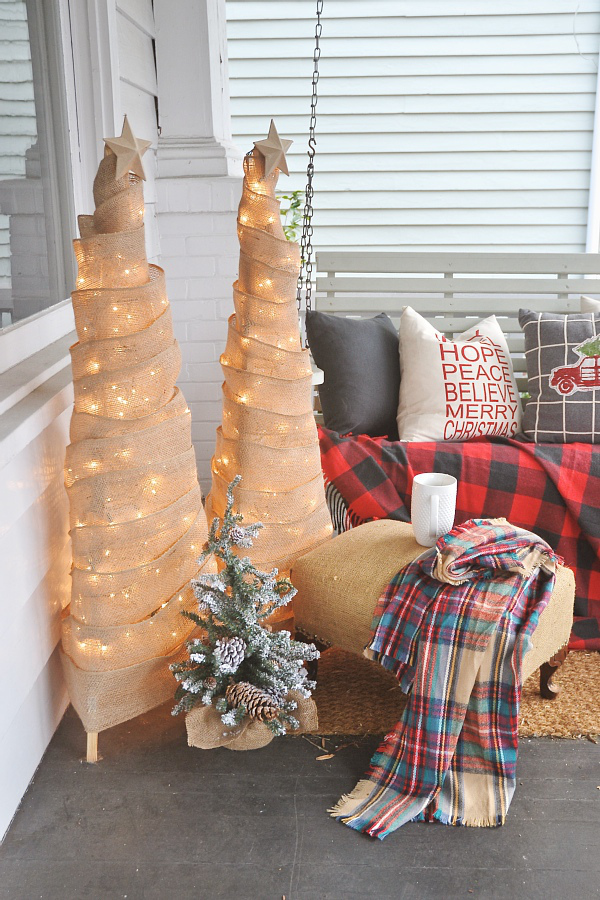 Decorate Your Home For Christmas how to frugally & quickly decorate for christmas - liz marie blog