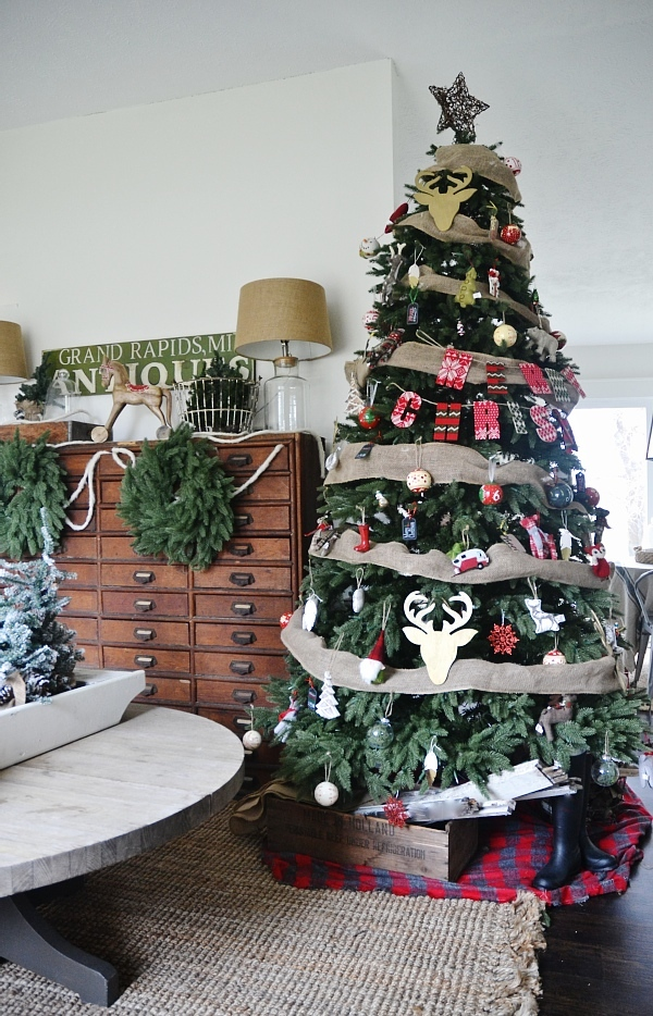 eclectic cottage christmas tree see where to get this realistic looking tree get inspired - Real Looking Christmas Trees