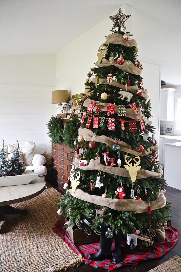 eclectic cottage christmas tree see where to get this realistic looking tree get inspired - Real Looking Christmas Tree