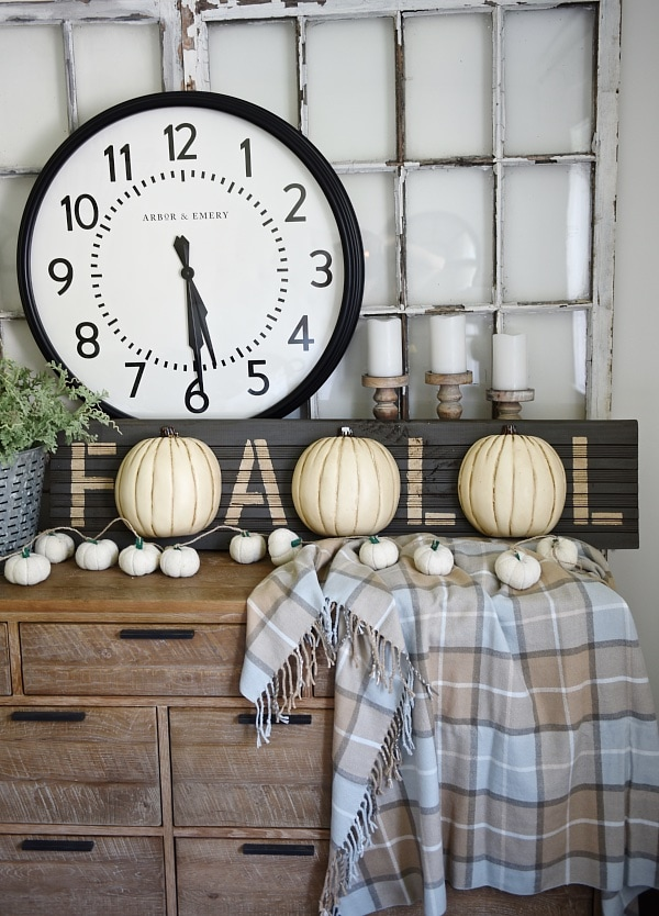 Inspirational  Lovely Neutral Fall decor Rustic cottage fall style