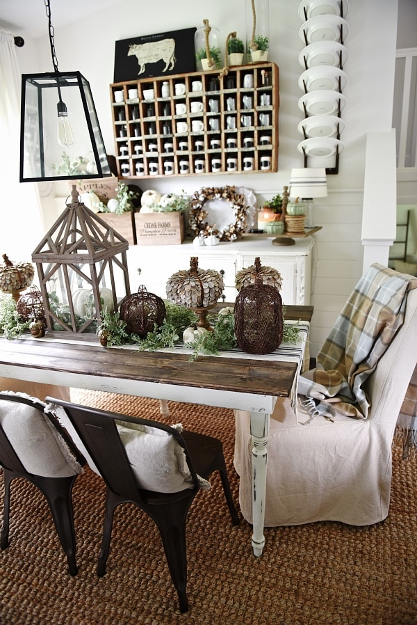 Lovely Neutral Fall decor - Rustic cottage fall style