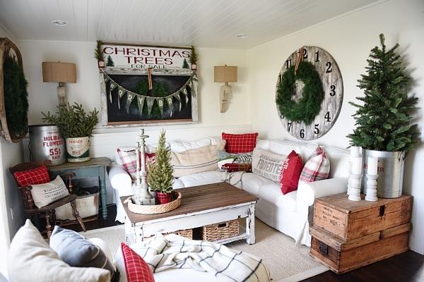 Rustic Cottage Living Room cozy rustic christmas cottage living room - liz marie blog