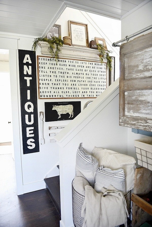 DIY Stairway Gallery Wall   A Great Blog For DIY Farmhouse Decor U0026  Inspiration For A