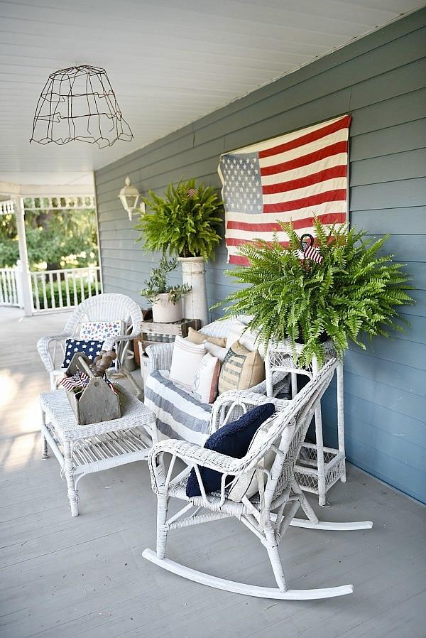 Farmhouse style fourth of july porch - Great inspiration for farmhouse decor ideas! & Farmhouse Patriotic Porch - Happy Fourth Of July! - Liz Marie Blog