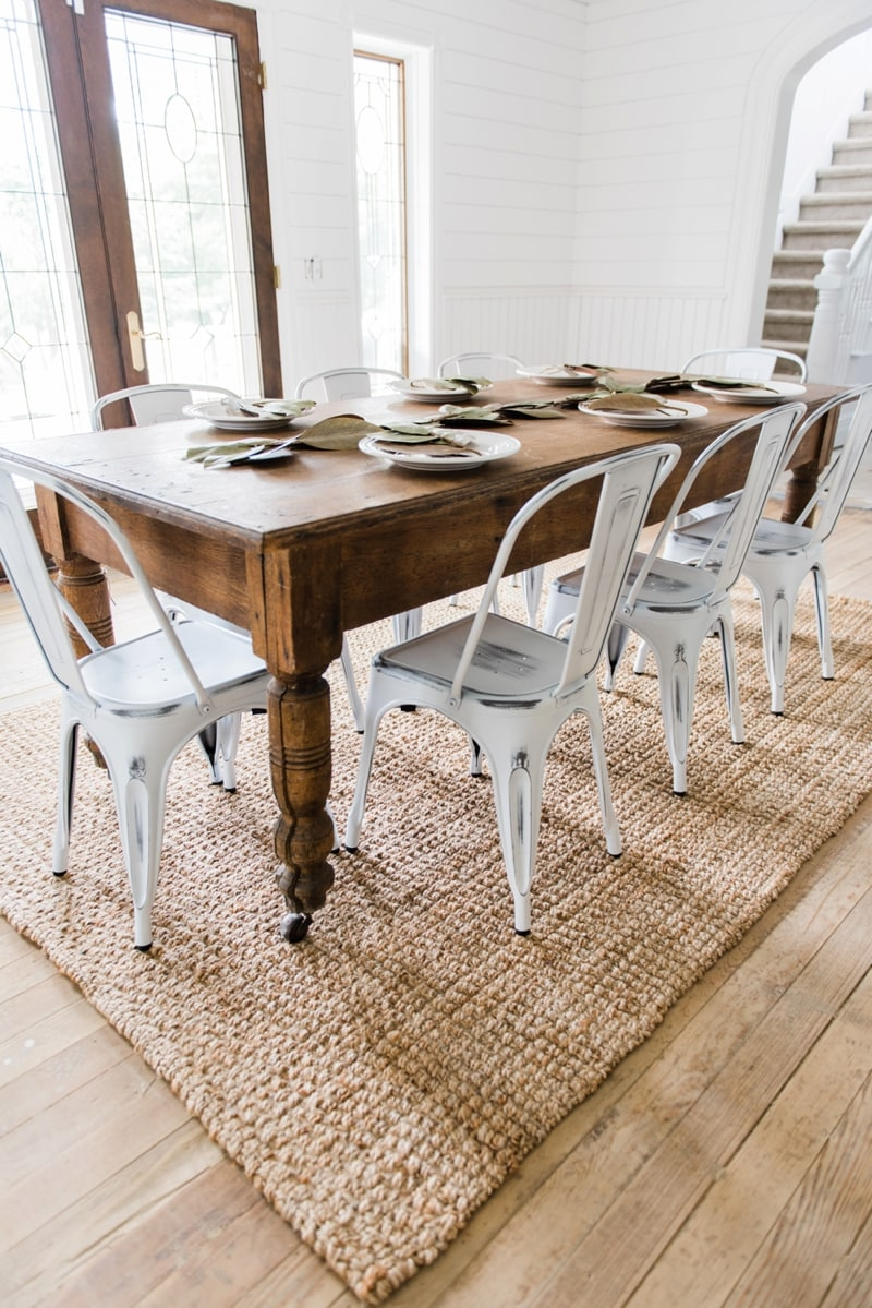 Top Ten Elegant Farmhouse Dining Sets