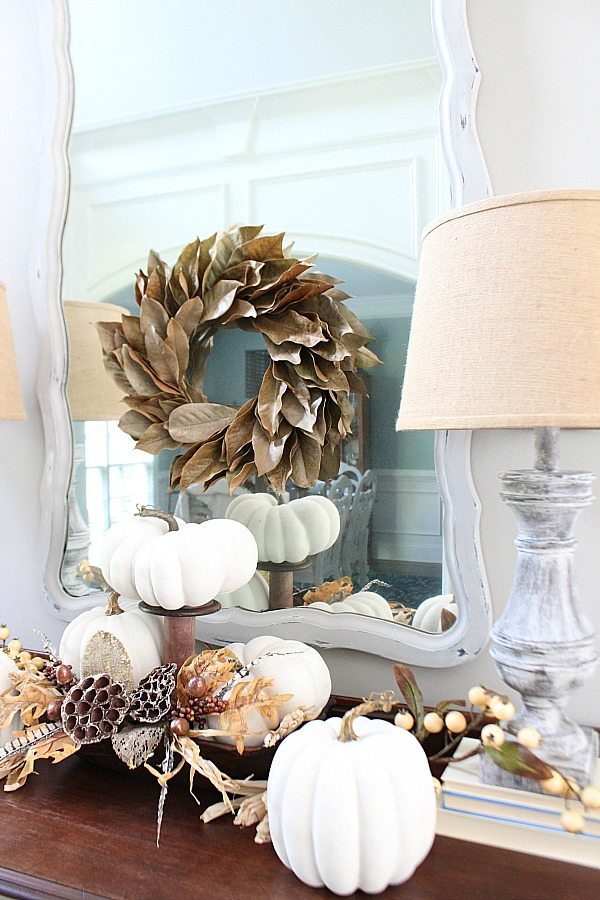 white-pumpkins-dried-hydrangea-and-feathers-for-a-bright-fall-idea