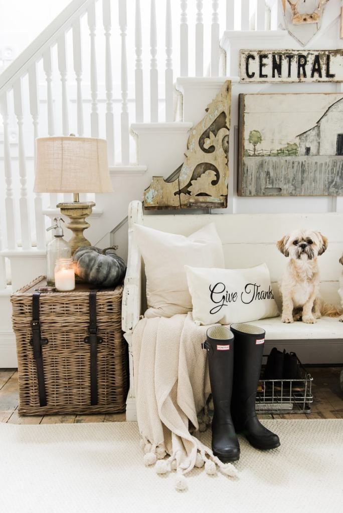 Cozy rustic fall farmhouse entryway - A cozy cottage/farmhouse style entryway with a church pew & other cozy elements.