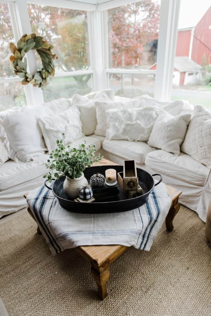 a farmhouse style coffee table in the sunroom liz marie blog. Black Bedroom Furniture Sets. Home Design Ideas