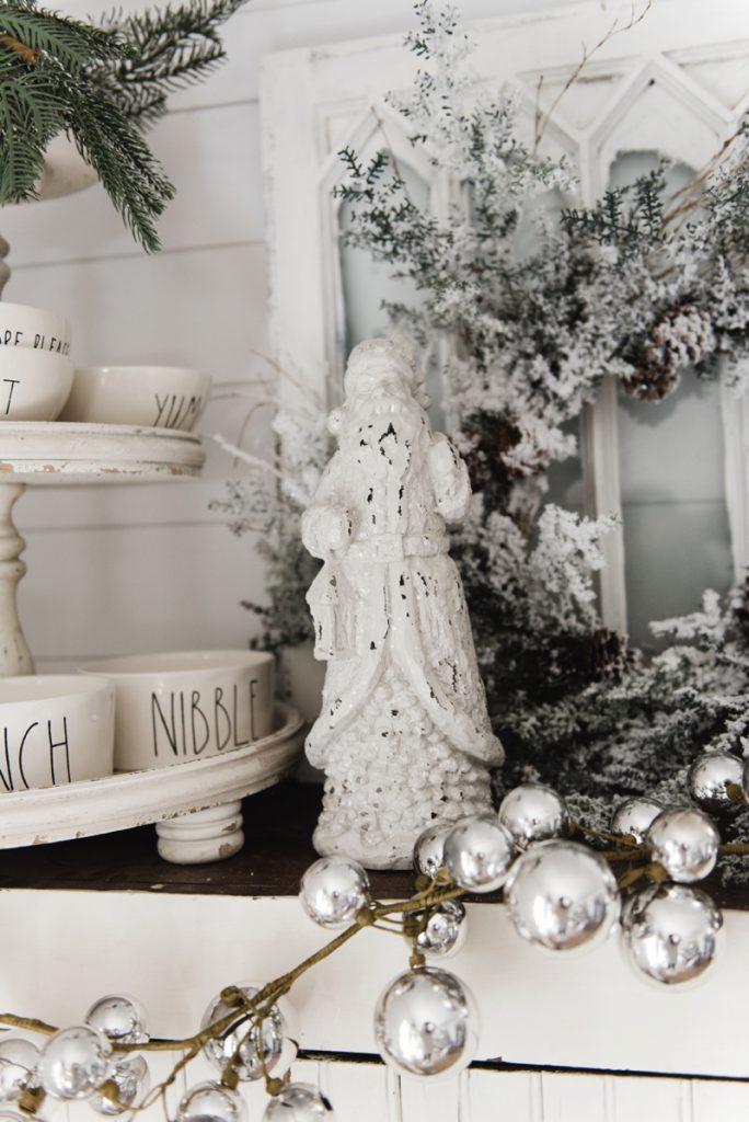 Cozy Rustic Farmhouse Cottage Christmas decor
