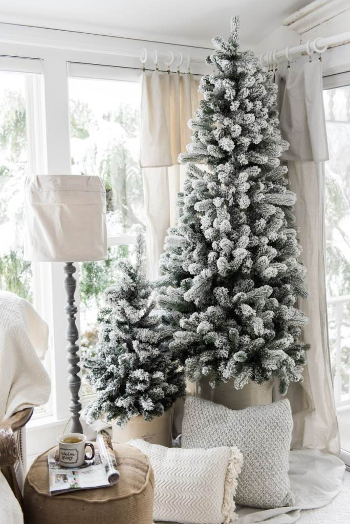 A cozy neutral farmhouse christmas liz marie blog for Minimalist country decor