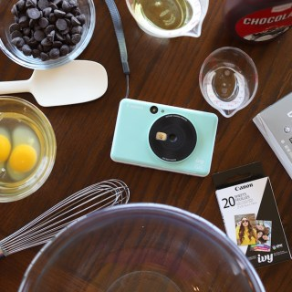 Instant Print Pictures with the Canon IVY CLIQ
