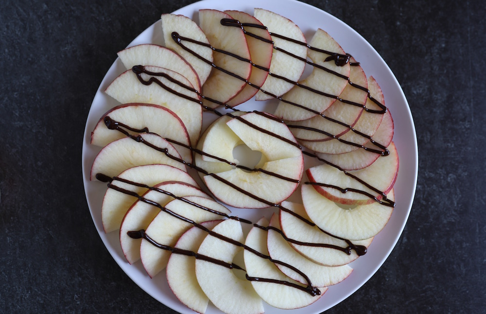 Apple Nachos - An easy snack recipe with apples, chocolate, caramel, and all the toppings!