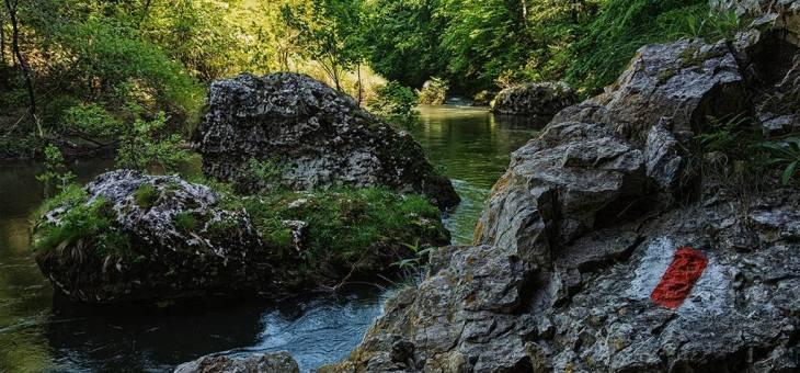 A Néra folyó érintetlen vidéke