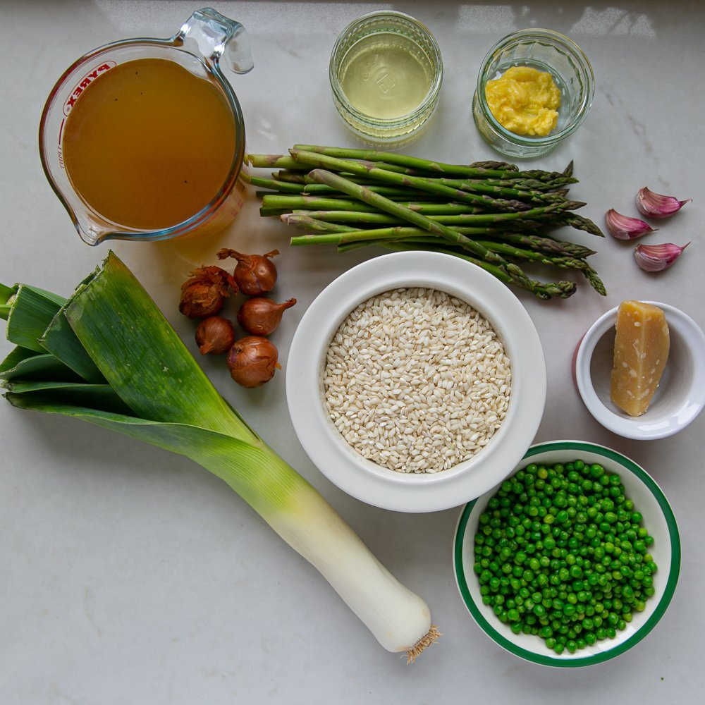 All the ingredients for a Asparagus Pea and Leek Risotto