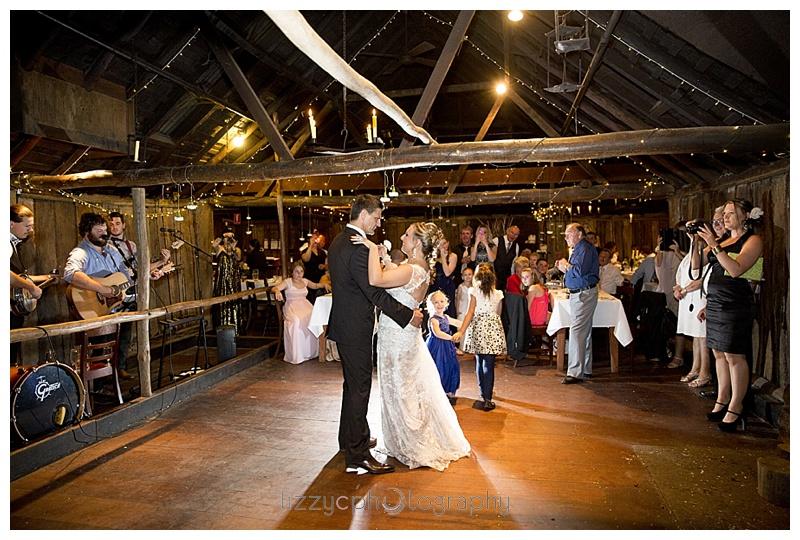 EmuBottomHomestead_wedding_0052.jpg