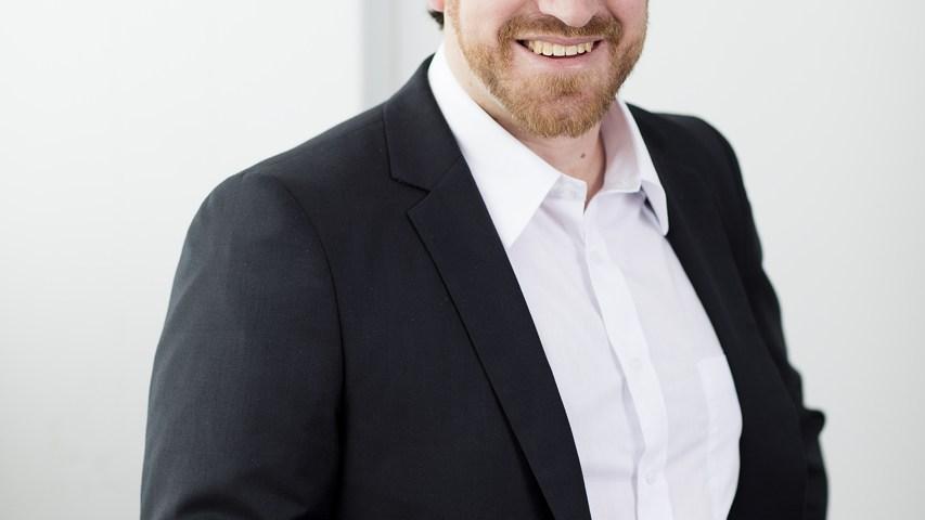 LinkedIn headshot by professional Melbourne Photographer
