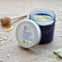 honey and oat gentle detox face mask handmade with natural ingredients