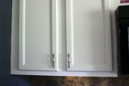 THE EASY WAY TO PAINT CABINETS