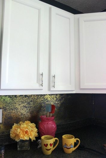 THEY EASY WAY TO PAINT CABINETS