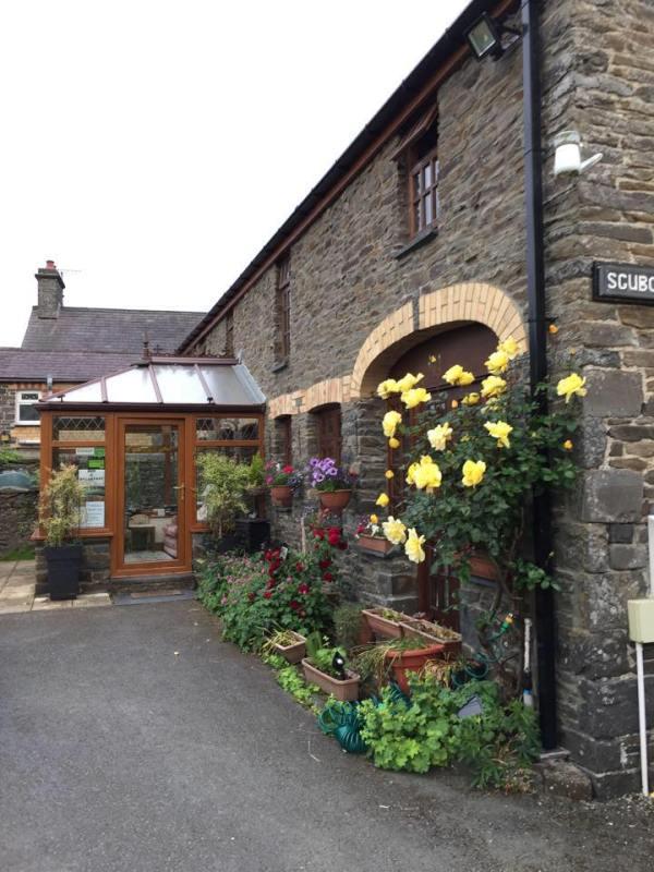 Sgubor Wyre - Bed & Breakfast Llanrhystud Ceredigion Wales