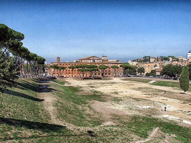 el antiguo Circo máximo en Roma