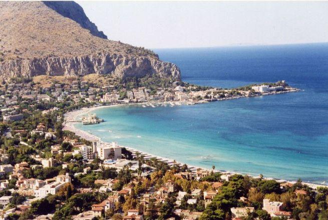 Que ver: Mondello, la playa de Palermo