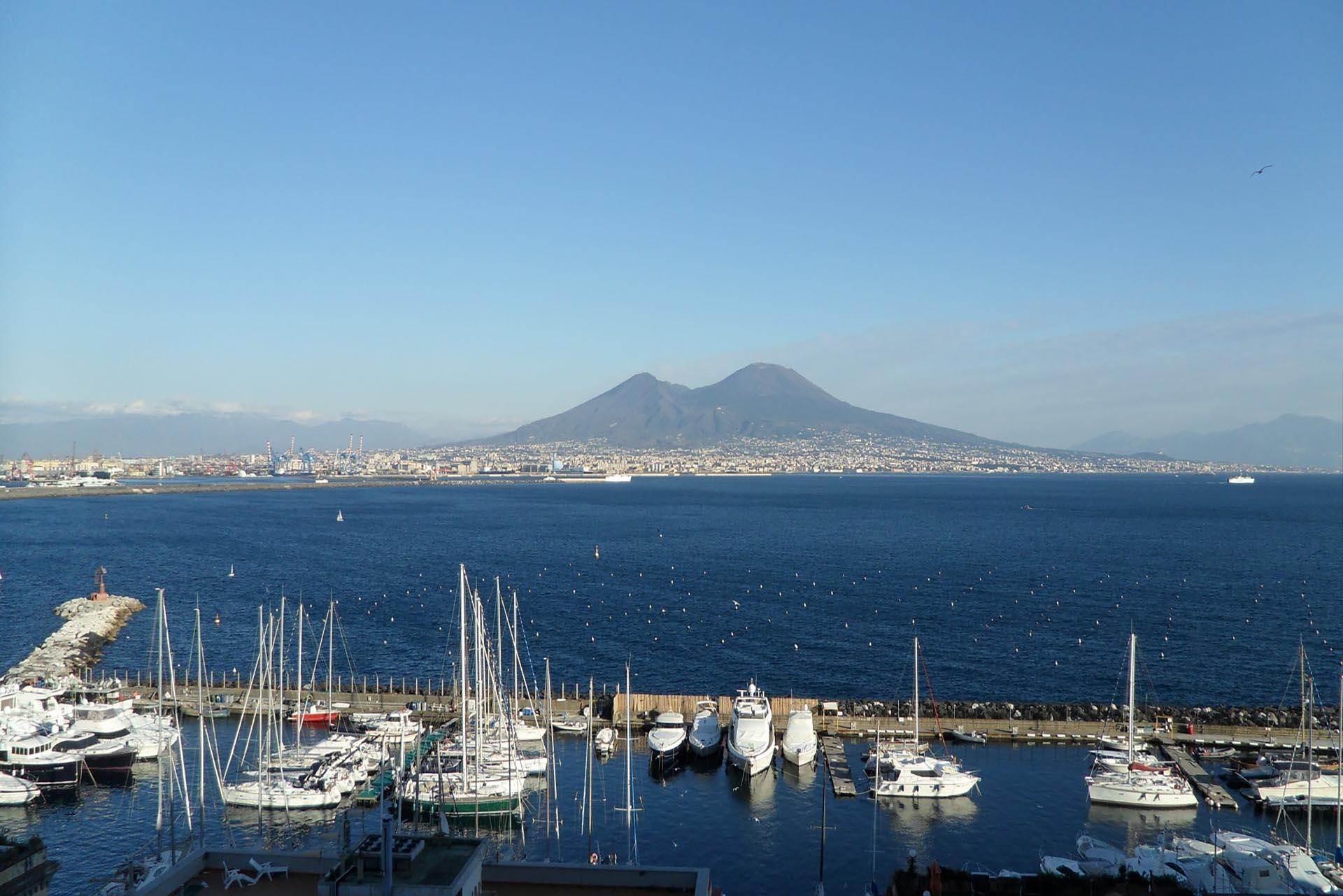 Como llegar a Nápoles desde el aeropuerto