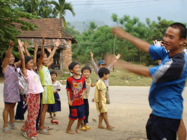 Phuc & some children