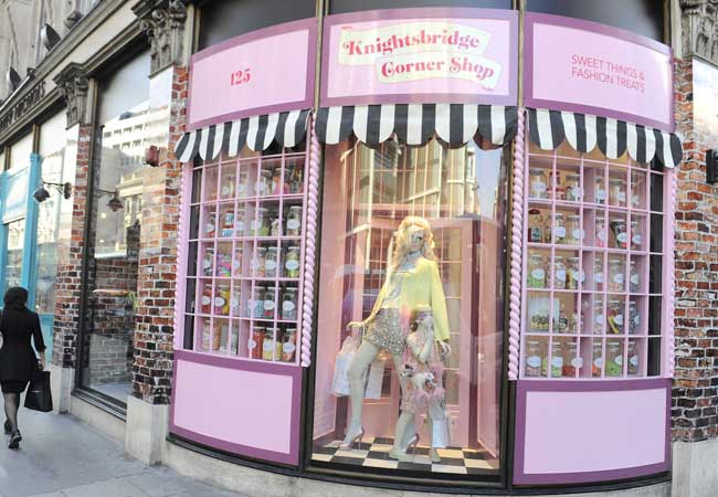 London 39 s diamond jubilee what to do for Harvey windows