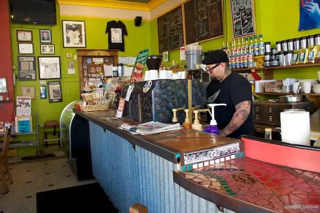 Café Jumping Bean