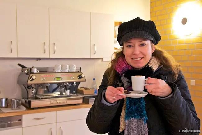 Lisa Lubin drinks Espresso
