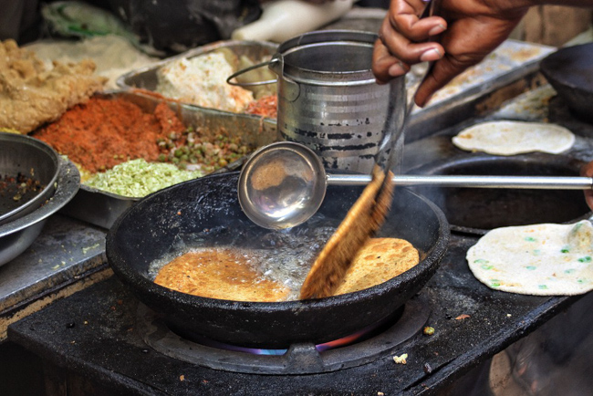 Frying up parantha