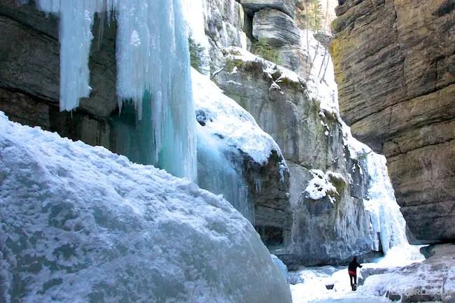 photo essay  maligne canyon ice walk