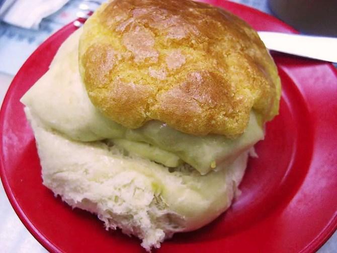 pineapple-bun-with-butter Hong Kong