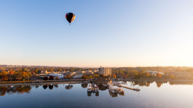 hot air balloon rides Lake Geneva