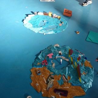 4. dessin de l'îlot perso + collage des objets en papiers dessus