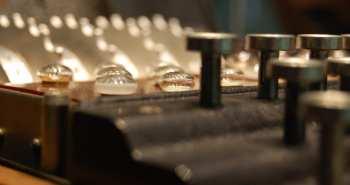 מכונת אניגמה בעלת ארבעה גלגלים. צילום:Bletchley Park Trust