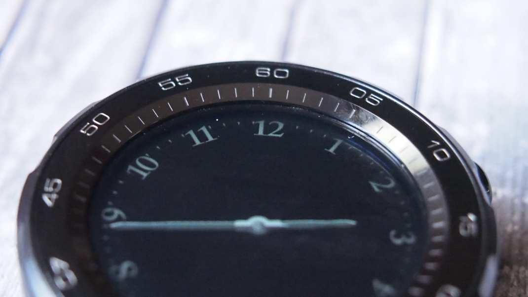 הוראות חדשות שעונים חכמים ראש בראש: Watch 2 מול Gear S3 - החיבור EA-87