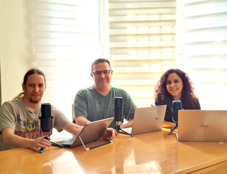 משתתפי הפודקאסט טריפל: מימין: דפנה הראל כפיר, צחי הופמן, ניב ליליאן