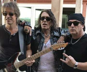 RATT expels Bobby Blotzer from partnership; PEARCY, DEMARTINI, CROUCIER claim band name
