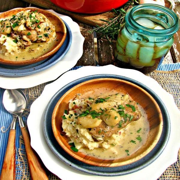 40 Garlic Chicken @Loavesanddishes.net