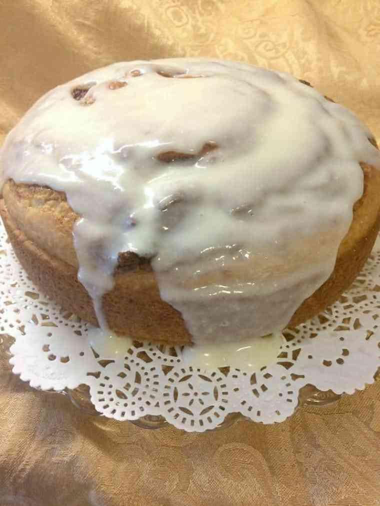A photo of a cinnamon Roll cake that Reader Rita baked and photographed.